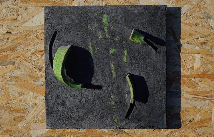 ELEMENTI E TRACCE, ceramica raku, cm 35x35x6, 2015